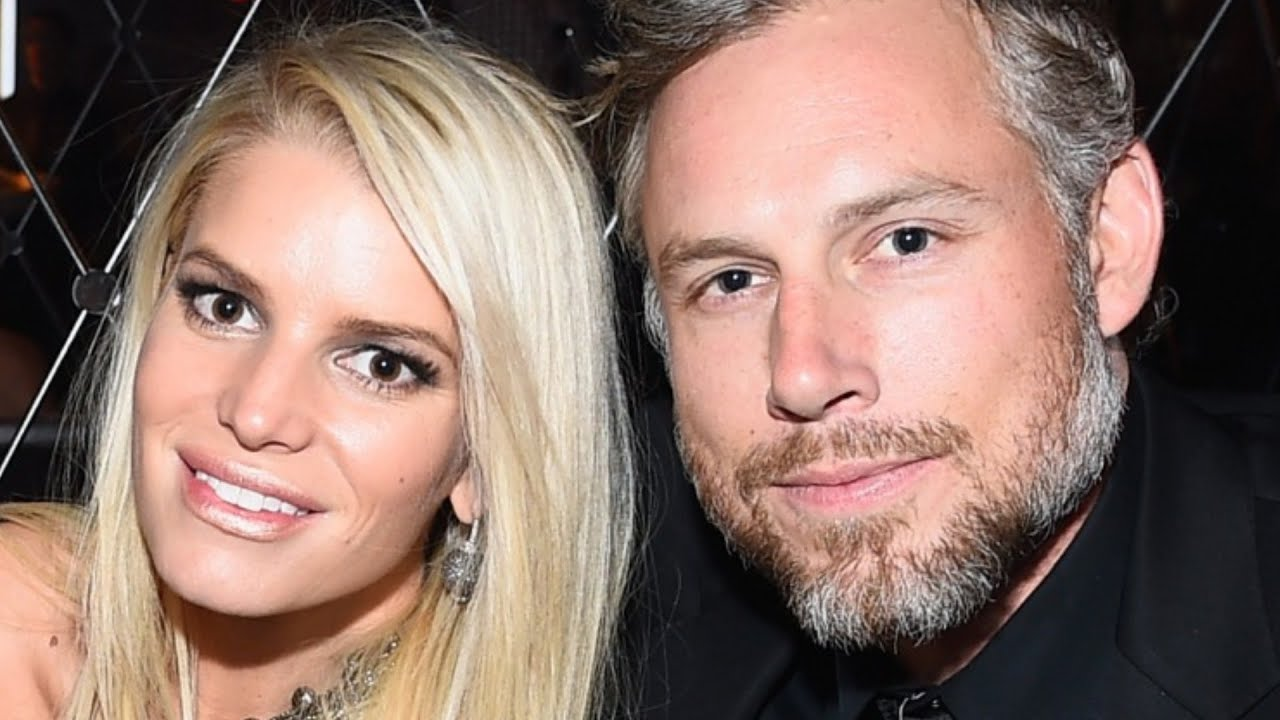 Weird Things Everyone Ignores About Jessica Simpson's Marriage