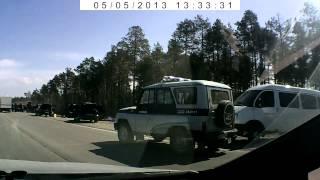 В Сургуте ОМОН задержал колонну «посаженных» автомобилей.