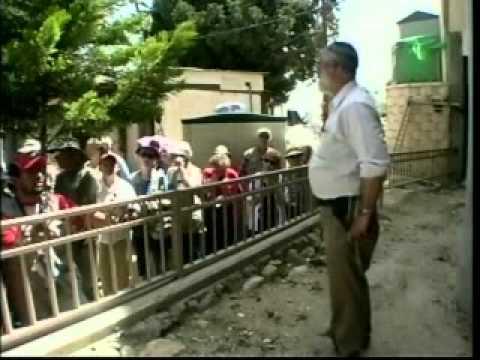 David Wilder touring Tel Hebron (Rumeida) in Hebron