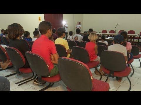 Núcleo de cidadania para o adolescente realiza palestra para jovens de Cruzeiro do Sul