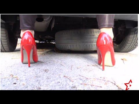 """В твоите обувки"" - Тя и Той, епизод 1"