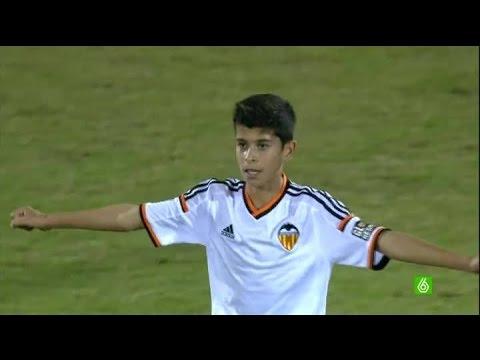 Un jeune footballeur français de 12 ans émerveille l'Espagne