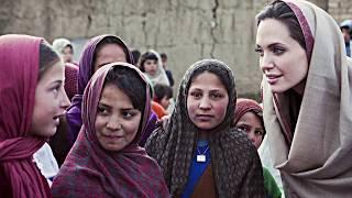 Пример для всех: вот как Анджелина Джоли делает мир лучше и добрее