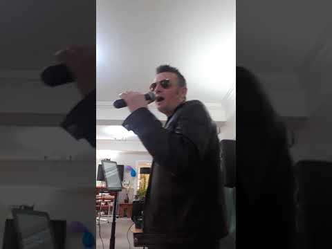 # DVELVIS SINGS SURRENDER