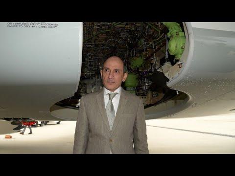 Only men can run an airline: Qatar CEO