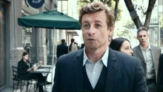 Simon Baker walking towards 523 6th Street Los Angeles, 1440x810 resolution