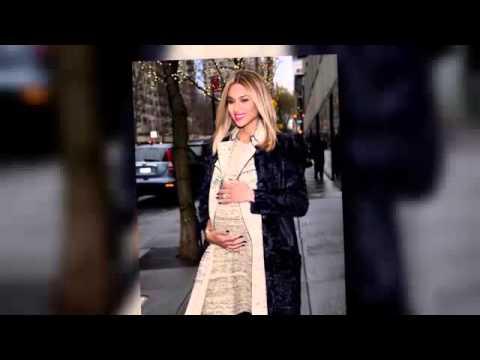 Singer Ciara Reveals That She's Pregnant