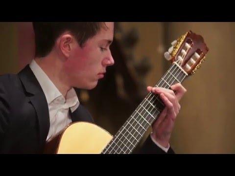 Thomas Langlois plays F. Moreno Torroba -  Sonatina (I. Allegretto)