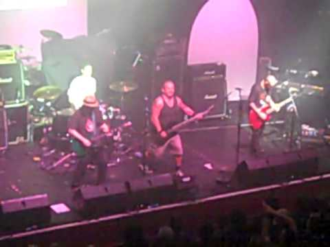 The Dickies  live encore Edinburgh 2012