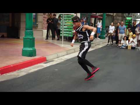 AMAZING STREET DANCE PERFORMANCE [Rockafellas Streetboys]- Universal Studio Singapore