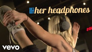 Jackie Lee - Headphones (Official Lyric Video)