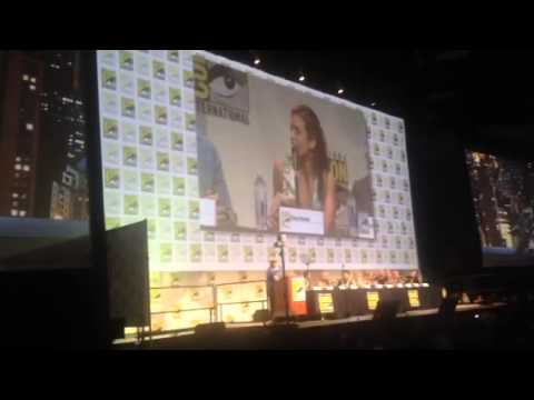 Ciara Renee On Her DC Legends Character At Comic-Con #SDCC - Zennie62