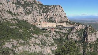 Экскурсия в горный монастырь Монтсеррат, Испания (Montserrat, Spain)(Экскурсия в горный монастырь Монтсеррат (Montserrat) В монастыре находится национальная святыня Каталонии –..., 2012-10-19T11:05:32.000Z)