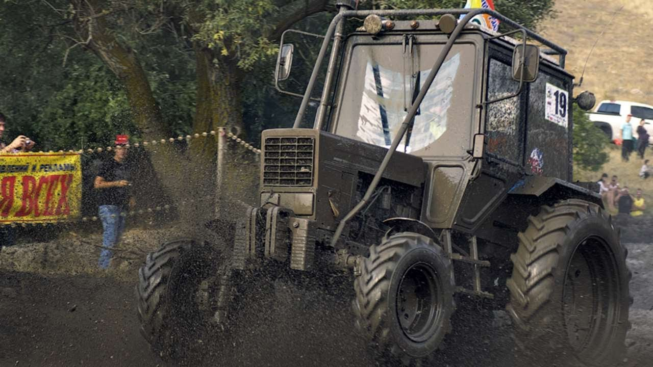 #2092. Тракторы в грязи [Русский тюнинг]
