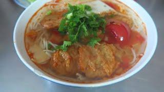 BEST Bún Chả Cá in DANANG Vietnam - Vietnam Vlogs