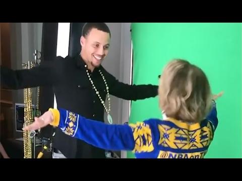 LOL!! Steph Curry & Draymond Green DANCE...