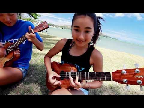 Honoka & Azita - Bodysurfing