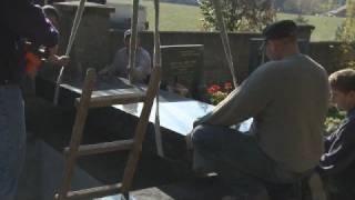 Stavba hrobky Václava Kočky ml. na hřbitově v Praze - Řepích