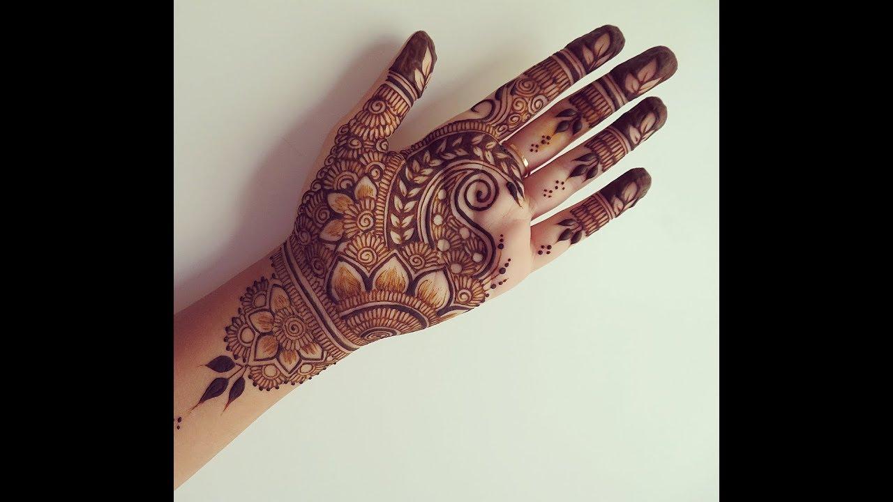 15 Collection of Best Henna Designs Ever - SheIdeas |Simple Henna Palm Designs