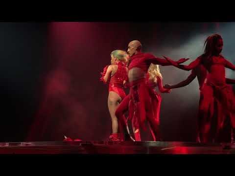 Lady Gaga - Dancin' in Circles live Joanne World Tour Montreal