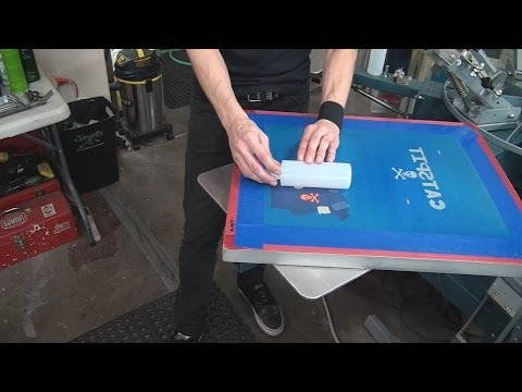 How To Screenprint Bottles, Cups, Mugs, Cylinders With Only A Screen