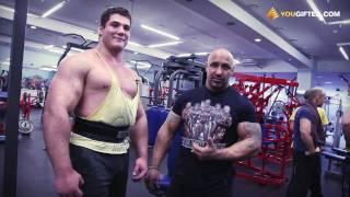 Андрей Лобанов. Тренировка плеч и бицепсов.