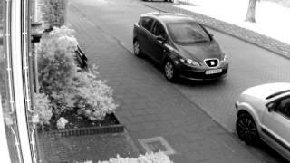 Demo voorbeeld draadloze beveiligingscamera HD als het donker begint te worden