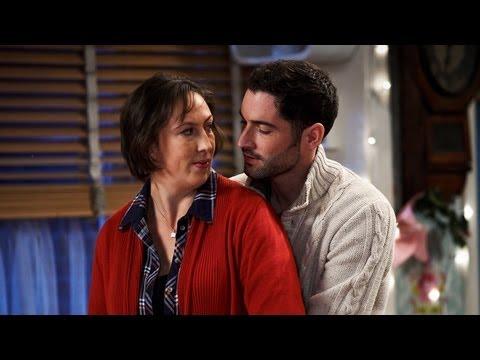 Miranda comes unstuck in a fountain - Miranda Christmas Special ...