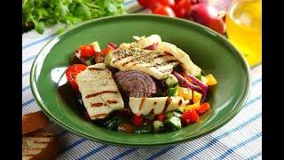 Przepis- Sałatka grecka z serem Halloumi (przepisy kulinarne Przepisy.pl)