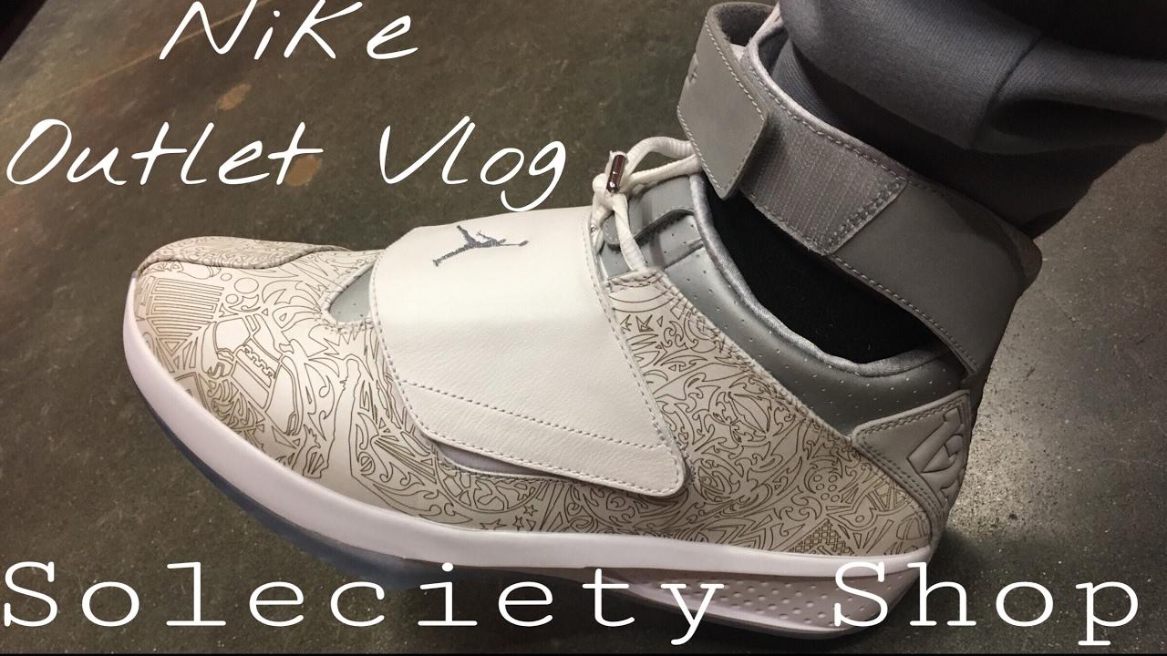 ff1255eb6aad Sneaker Shopping   Selling
