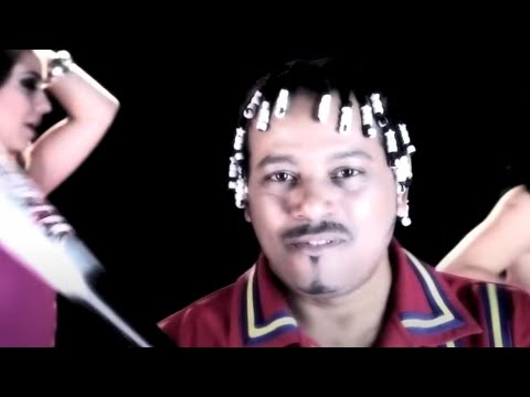 Merenglass la mujer del pelotero youtube music lyrics for Mesa que mas aplauda letra