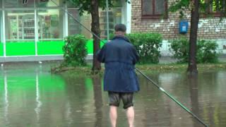 Рыбалка на улице Череповца.