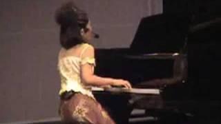 IBU PERTIWI - Eya Grimonia ( piano,vokal ) di Konser Tunggal ke 2