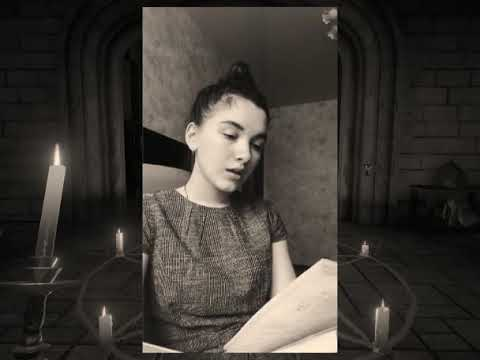 Изображение предпросмотра прочтения – АленаПостникова читает отрывок изпроизведения «Вий» Н.В.Гоголя
