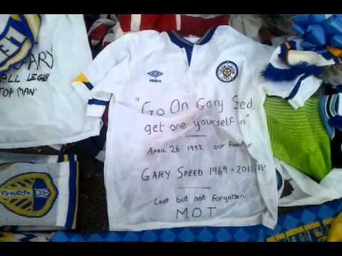 Gary Speed Tribute At Billy Bremner Statue