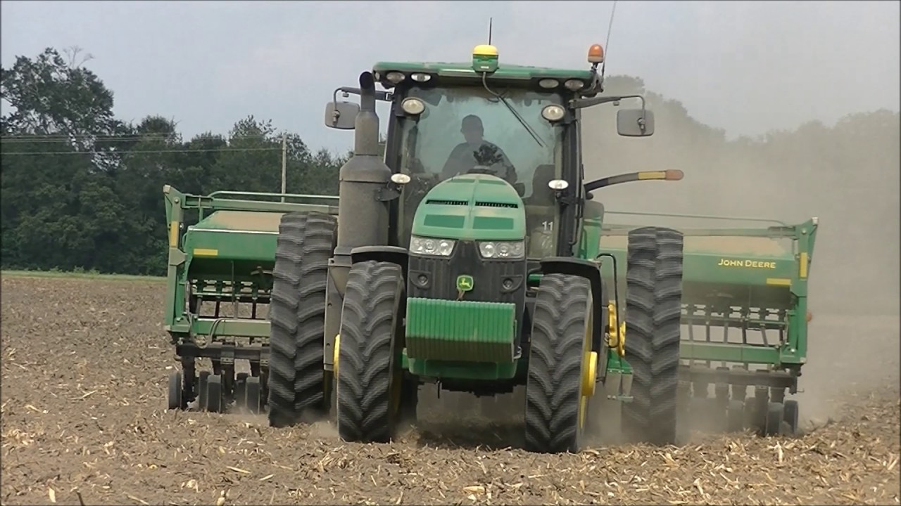 JOHN DEERE 8245R WITH 1590 DRILL PLANTING SOYBEANS  SCOTT FARMS 2017  SOYBEAN PLANTING