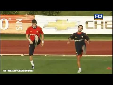 Carles Puyol Injury Shock Leaving Before the Match Spain vs Liechtenstein 4-0 09.03.2010 03.09.10