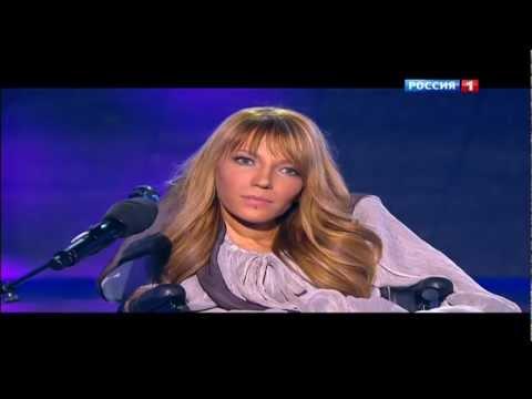 Фактор А Киркоров встал на колени перед девушкой с инвалидностью