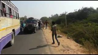 Truck accident in Gujarat live -support of people