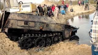 Wydobycie/Recovery of Sd.Kfz. 250 Ausf Neu i Sd.Kfz. 7 PANZER FARM