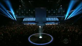 madonna performs living for love live at grammys