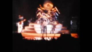 QUEEN   WE WILL ROCK YOU live ROTTERDAM april 19th 1978