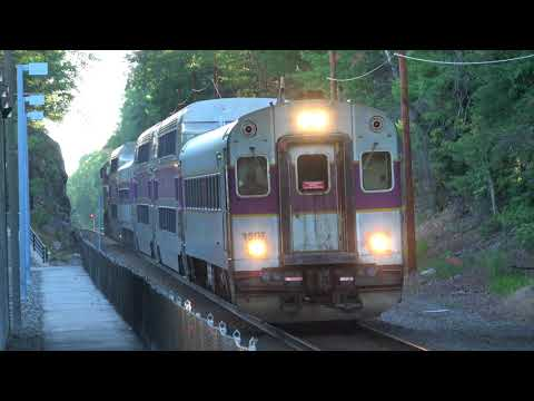 MBTA - Norfolk - Trains Arrive From Both Directions.