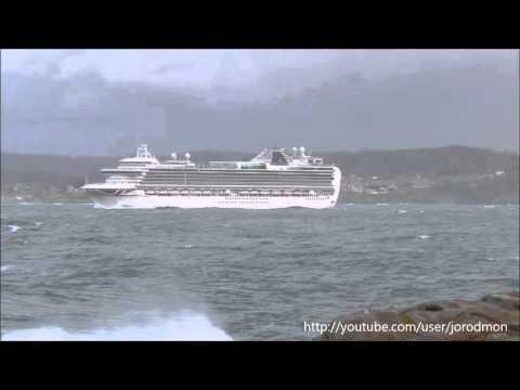 P&O VENTURA departs A Coruña