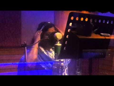 "singer Chitra singing ""Kanulatho"" song from movie ""Undhile manchikalam mundumunduna"""