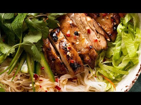 Vietnamese Noodles with Lemongrass Chicken