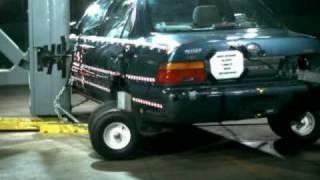 1995 Toyota Corolla EuroNCAP Side Pole Impact