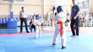 мой 1 бой 31.05.2014 каратэ (выиграл 1 место. )