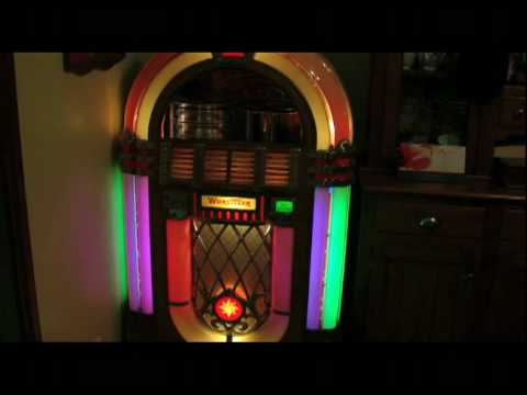 Wurlitzer 1015 Jukebox playing 78 rpm record