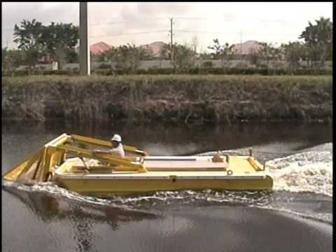 Aquarius Systems - Weed Tow Boat